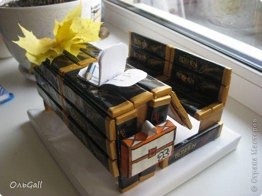 вот такая парта у меня получилась!!! в подарок сестре- учителю))))  спасибо девочкам за вдохновение  и МК  http://blog.kp.ru/users/arium/post243771376/))) фото 2