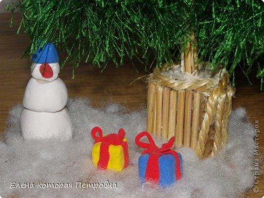 связала ёлочку для детского сада,украшать не стала,поскольку пряжа сама по себе отлично смотрится фото 2