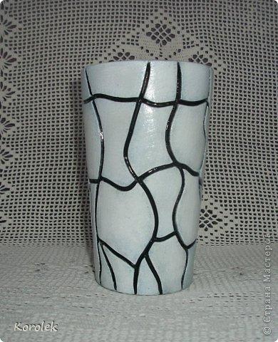 Здравствуйте!!Вот такие вазочки из гипса я сделала с помощью обычных бутылок от сладкой воды и пластилина. Вазы сделаны уже давно,только сейчас наконец сфотографировала Заодно решила сделать МК,может кому нибудь пригодится фото 15