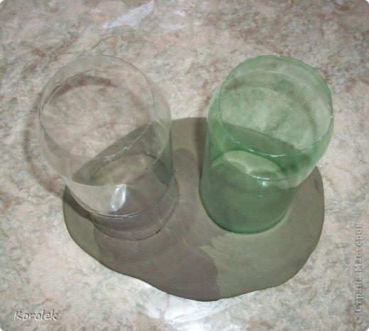 Здравствуйте!!Вот такие вазочки из гипса я сделала с помощью обычных бутылок от сладкой воды и пластилина. Вазы сделаны уже давно,только сейчас наконец сфотографировала Заодно решила сделать МК,может кому нибудь пригодится фото 19