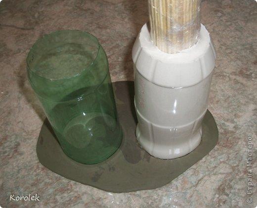 Здравствуйте!!Вот такие вазочки из гипса я сделала с помощью обычных бутылок от сладкой воды и пластилина. Вазы сделаны уже давно,только сейчас наконец сфотографировала Заодно решила сделать МК,может кому нибудь пригодится фото 20