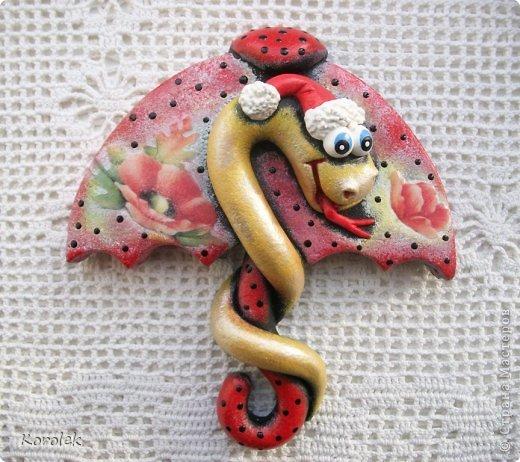 Здравствуйте,все гости моей странички!!Ранее я уже показывала своих первых змеек на зонтах в этой работе https://stranamasterov.ru/node/467739 ,теперь выставляю на ваш суд вторую часть своих новогодних змеек Вот такие они у меня получились  фото 14
