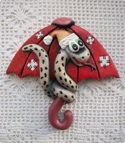 Здравствуйте,все гости моей странички!!Ранее я уже показывала своих первых змеек на зонтах в этой работе https://stranamasterov.ru/node/467739 ,теперь выставляю на ваш суд вторую часть своих новогодних змеек Вот такие они у меня получились  фото 11
