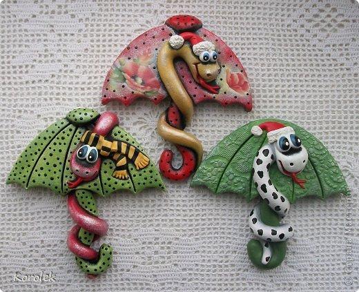 Здравствуйте,все гости моей странички!!Ранее я уже показывала своих первых змеек на зонтах в этой работе https://stranamasterov.ru/node/467739 ,теперь выставляю на ваш суд вторую часть своих новогодних змеек Вот такие они у меня получились  фото 6