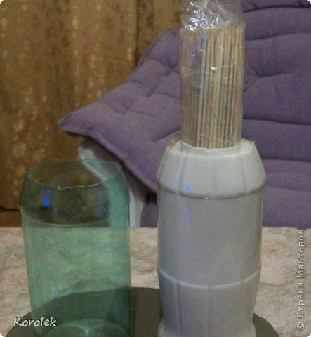 Здравствуйте!!Вот такие вазочки из гипса я сделала с помощью обычных бутылок от сладкой воды и пластилина. Вазы сделаны уже давно,только сейчас наконец сфотографировала  Заодно решила сделать МК,может кому нибудь пригодится фото 23