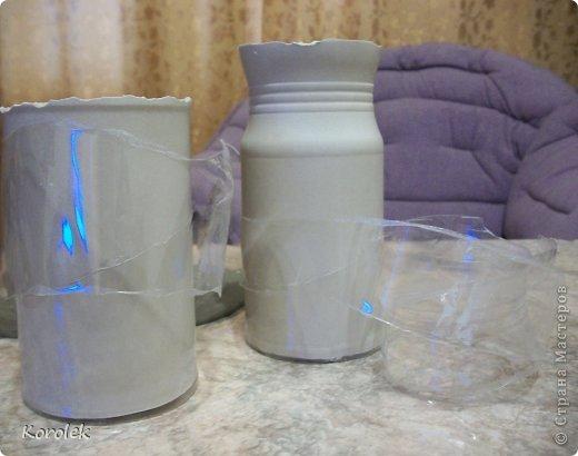 Здравствуйте!!Вот такие вазочки из гипса я сделала с помощью обычных бутылок от сладкой воды и пластилина. Вазы сделаны уже давно,только сейчас наконец сфотографировала Заодно решила сделать МК,может кому нибудь пригодится фото 25