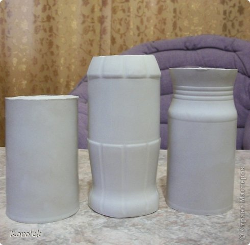 Здравствуйте!!Вот такие вазочки из гипса я сделала с помощью обычных бутылок от сладкой воды и пластилина. Вазы сделаны уже давно,только сейчас наконец сфотографировала Заодно решила сделать МК,может кому нибудь пригодится фото 27