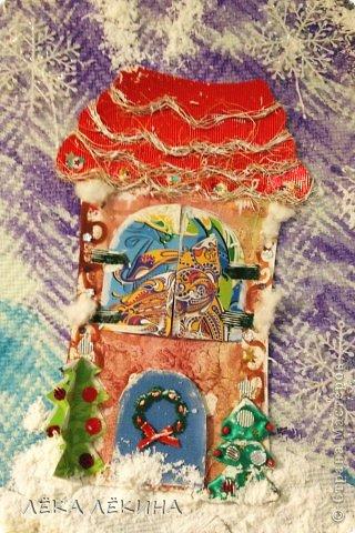 Кто-кто в домике живет?! Кто-кто в заснежинном живет? Это детишки живут! Вот такая у нас получилась работа зимняя как раз к новогоднему утреннику! И домики детишек поближе)) Присоединяйтесь! www.malenkaystrana.ru фото 3