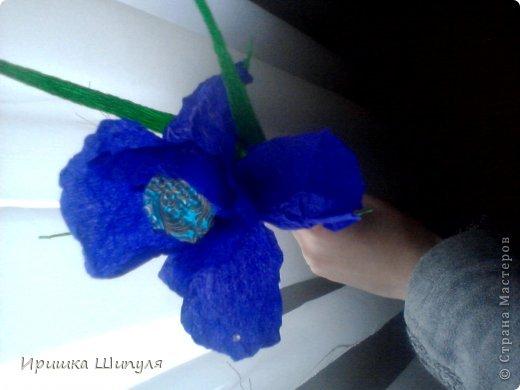 На каждом цветке,на одном лепестке прикреплены маленькие стразики) фото 2