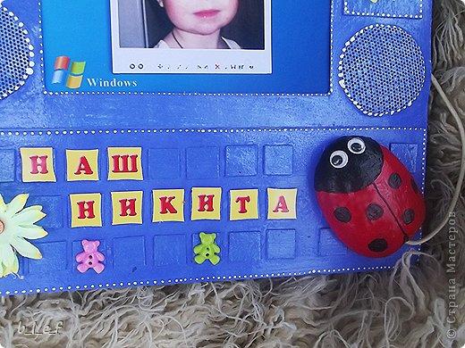 """У нас уже 2 внука. Для Марка, сына старшей дочери супруга, я уже делала альбомчик https://stranamasterov.ru/node/419812, но надо же и для сынишки старшего сына супруга сделать. Альбомчик для Никитки. Ему 3,5 года и самая любимая его игрушка - компьютер, из-за которого они с папой часто """"воюют"""", Никита, как правило, побеждает. В связи с чем, его папа, хитрая бестия (весь в своего папу), решил подарить своей жене ноутбук, это при том, что к компу она подходит раз в месяц, в Одноклассники заглянуть =))) фото 3"""