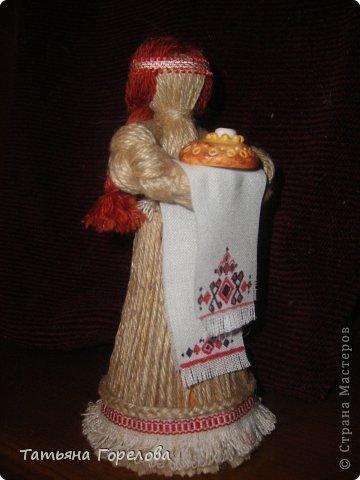 Как сделать платье для куклы из ниток