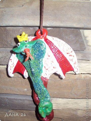 Здравствуйте мастерицы!В преддверии Нового года ,налепили с Данусей сувенирчиков из соленого теста,для друзей. фото 3