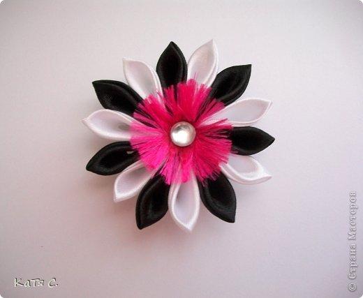 Разные цветы в технике Канзаши фото 5