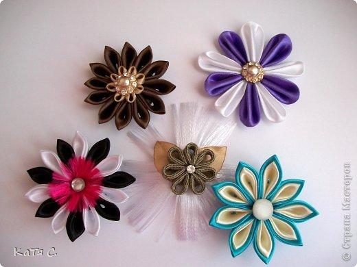 Разные цветы в технике Канзаши фото 1