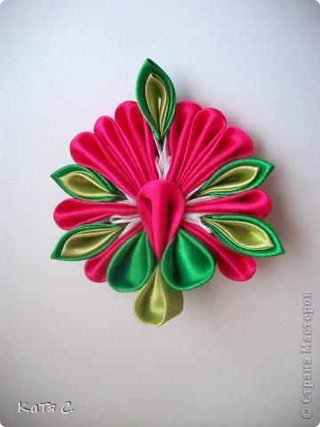 Разные цветы в технике Канзаши фото 10