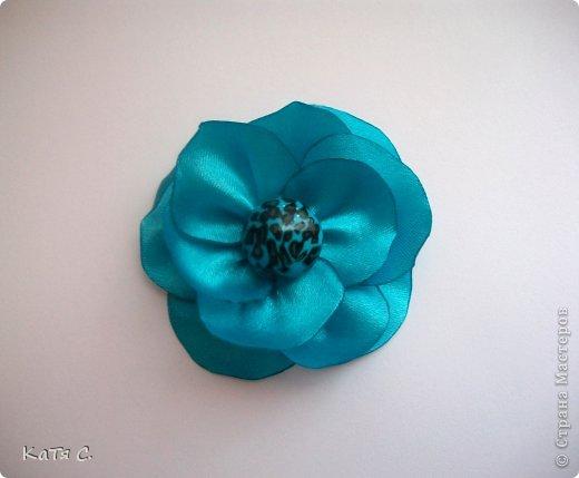Разные цветы в технике Канзаши фото 11