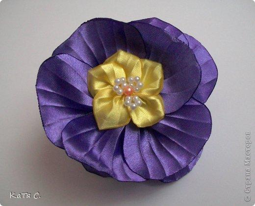 Разные цветы в технике Канзаши фото 18