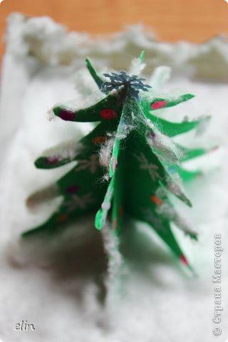 Вот такая зимняя композиция уже отнесена в дет.сад. Я уже одну композицию делала http://stranamasterov.ru/node/476666, но ее, по просьбам моих домашних, оставили дома. Но нельзя же было подводить воспитателя, вот вышла другая, зато делали вместе с дочей. фото 9