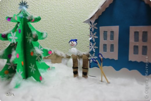 Вот такая зимняя композиция уже отнесена в дет.сад. Я уже одну композицию делала http://stranamasterov.ru/node/476666, но ее, по просьбам моих домашних, оставили дома. Но нельзя же было подводить воспитателя, вот вышла другая, зато делали вместе с дочей. фото 5