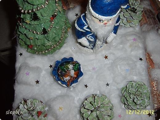 В преддверии Нового Года у нас в саду был объявлен конкурс на новогоднюю поделку. фото 19