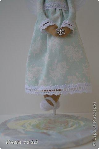 Здравствуйте! Представляю вам своего ангела - делала по этому МК http://needleworkworld.blogspot.com/2012/11/christmas-angel.html?showComment=1356710519381#c980383350990318736 Большое спасибо за вдохновение! фото 3