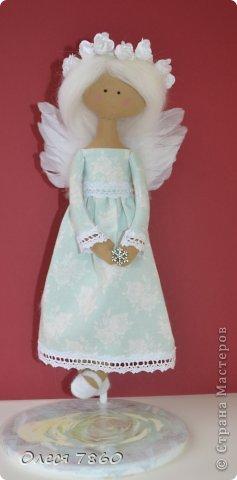 Здравствуйте! Представляю вам своего ангела - делала по этому МК http://needleworkworld.blogspot.com/2012/11/christmas-angel.html?showComment=1356710519381#c980383350990318736 Большое спасибо за вдохновение! фото 1