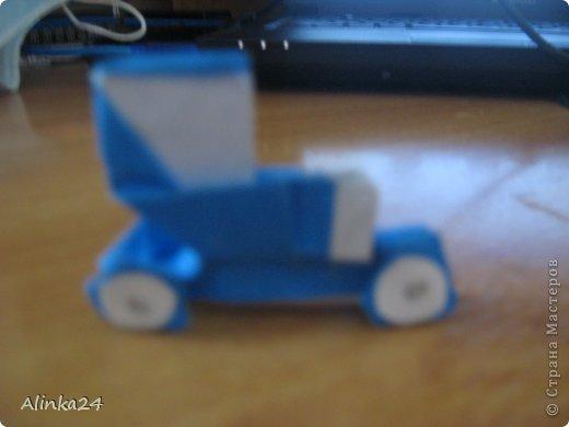 Здравствуй Страна Мастеров!  Вот мои машинки оригами.Я их делала по схеме из книги.Автор этой модели Кацуши Ношо. Каждая деталь машинки(изделие состоит из двух частей:колёса и кузов)складывается отдельно . фото 2