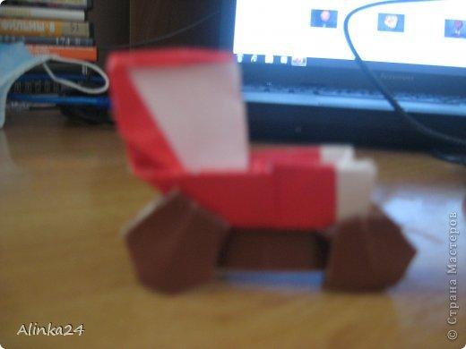 Здравствуй Страна Мастеров!  Вот мои машинки оригами.Я их делала по схеме из книги.Автор этой модели Кацуши Ношо. Каждая деталь машинки(изделие состоит из двух частей:колёса и кузов)складывается отдельно . фото 4
