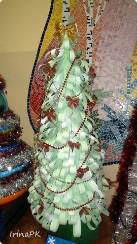 В детском саду объявили конкурс креативных елок. Каждая группа и специалисты должны представить елку высотой не менее 1 метра. Вот что получилось. фото 17