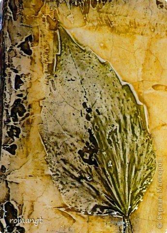 Картина панно рисунок Праздник осени Гравировка Лепка Отпечатки листьев Картина Листья из сада в технике отпечатка Глина Гуашь Листья фото 2