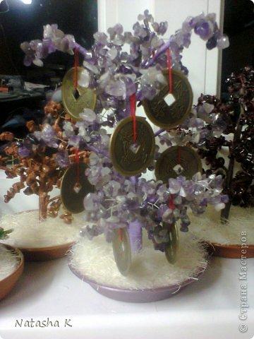 Деревья из бисера и натуральных камней фото 13