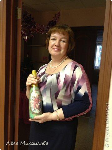 29 декабря прошел мой новогодний мастер-класс по декорированию бутылочки. Некоторые девочки пришли с детишками, но и они не остались без дела - декорировали стаканчики-непроливайки (то, что оказалось под рукой). фото 6