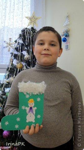 К Новому году сделали много работ с детьми. Такие открытки – в подарок родителям. фото 16