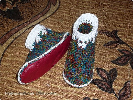 Всем привет!!! По просьбам мастериц нашей Страны Мастеров, представляю МК по вязанию тёплых вязаных тапочек крючком. фото 4