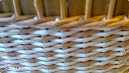 Мастер-класс Поделка изделие Плетение Послойное плетение как я заканчиваю плетение Бумага газетная Картон Трубочки бумажные фото 6