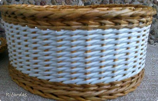 Мастер-класс Поделка изделие Плетение Послойное плетение как я заканчиваю плетение Бумага газетная Картон Трубочки бумажные фото 8