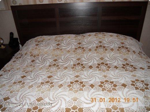 Вязаное крючком покрывало на кровать своими руками