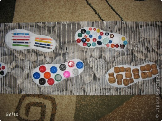Эти коврики я сделала для своих деток. Их у меня 16. Им от 1,5 до 3 лет. Ребятам очень понравилось ходить по коврикам. фото 2