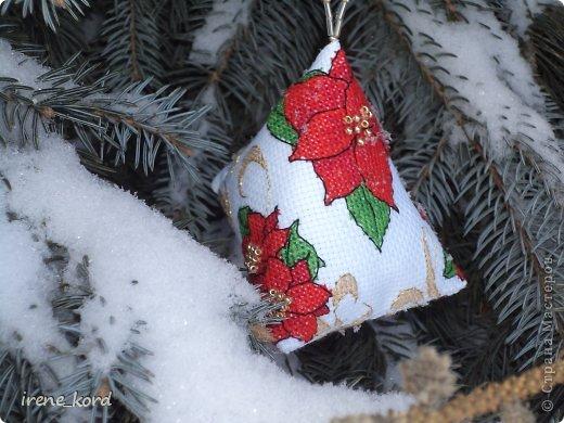 Перед Новым Годом возникло у меня желание украсить свою елочку вышитыми игрушками и воплотилось оно вот такими новогодними берлинго от нежно любимой мной Фаби Рейлли. фото 2