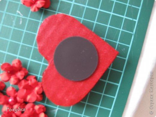 Сегодня пятница и мы встретились с ребятами первый раз после каникул:) Я им предложила сделать магнит в форме сердца. Цветочного сердца:) Идея не нова ( достаточно набрать в ПОИСКе), но она будет актуальна для 14 февраля в качестве валентинки, в качестве подарка на 8 марта(можно сделать весенние цветы), да и просто на День рождение. фото 13