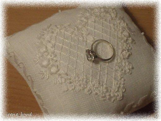Свадебная подушечка по мотивам Victoria Sampler