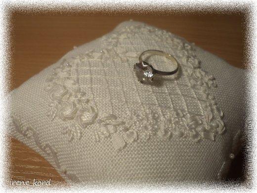 Свадебная подушечка по мотивам Victoria Sampler фото 2