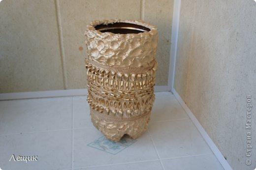 Напольная ваза из 5 литровых пластиковых бутылей