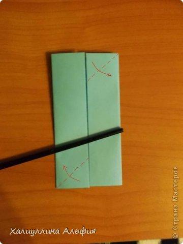 """Эту модель я нашла в книге Томоко Фусэ """"Многогранники"""". Она проста в сборке (в книге помечена двумя звездочками сложности). Для ее сборки НЕ нужен клей. Только бумага и немного терпения. фото 4"""