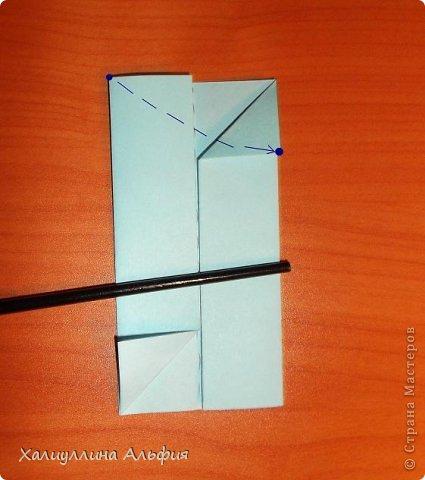 """Эту модель я нашла в книге Томоко Фусэ """"Многогранники"""". Она проста в сборке (в книге помечена двумя звездочками сложности). Для ее сборки НЕ нужен клей. Только бумага и немного терпения. фото 5"""