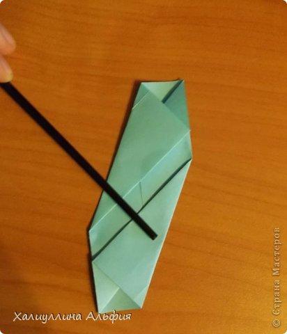 """Эту модель я нашла в книге Томоко Фусэ """"Многогранники"""". Она проста в сборке (в книге помечена двумя звездочками сложности). Для ее сборки НЕ нужен клей. Только бумага и немного терпения. фото 7"""