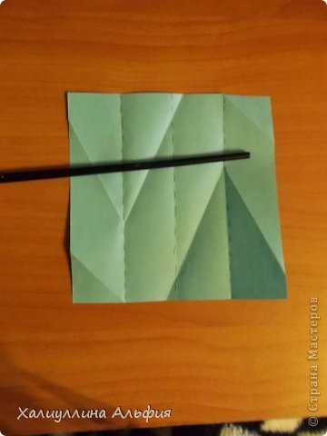"""Эту модель я нашла в книге Томоко Фусэ """"Многогранники"""". Она проста в сборке (в книге помечена двумя звездочками сложности). Для ее сборки НЕ нужен клей. Только бумага и немного терпения. фото 8"""