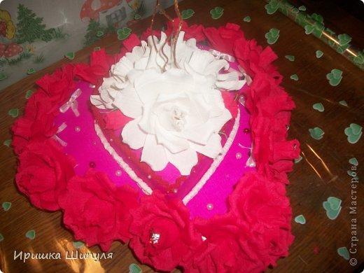 вот он мой тортик в два яруса)....Его заказал парень для своей жены на день СВЯТОГО ВАЛЕНТИНА!!!!!!!!    ммммммммммм.........Как романтично)))) фото 1
