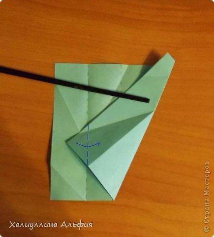 """Эту модель я нашла в книге Томоко Фусэ """"Многогранники"""". Она проста в сборке (в книге помечена двумя звездочками сложности). Для ее сборки НЕ нужен клей. Только бумага и немного терпения. фото 10"""