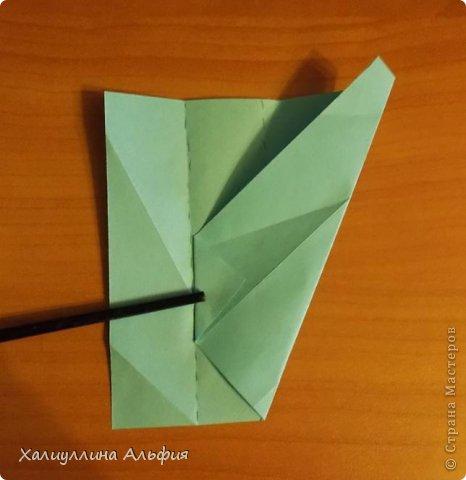 """Эту модель я нашла в книге Томоко Фусэ """"Многогранники"""". Она проста в сборке (в книге помечена двумя звездочками сложности). Для ее сборки НЕ нужен клей. Только бумага и немного терпения. фото 11"""